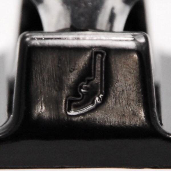 Black Revolver trucks black silver details