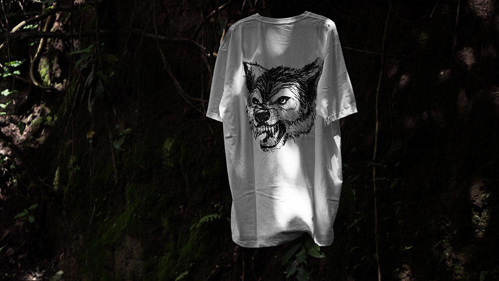 Black Revolver t shirt Animalia & Insecta Collective catálogo no41