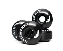 Black Revolver logo wheels blacks
