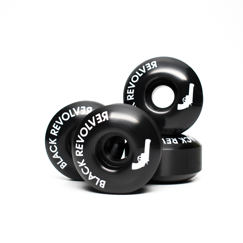 Black Revolver logo wheels blacks