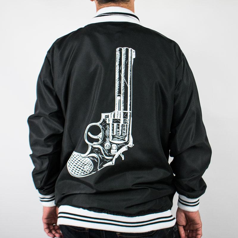 black revolver bumber jacket negro atras